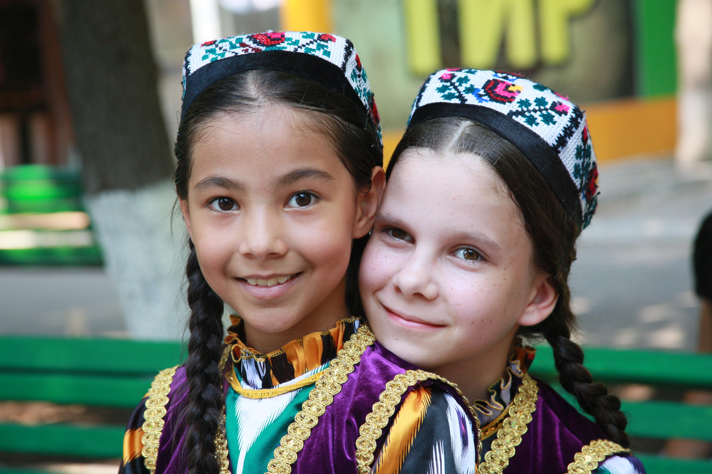 узбекистан и жители фото камень